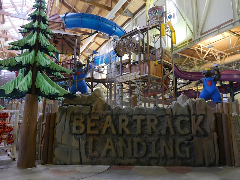 For the best deal, start planning your family's getaway to Great Wolf Lodge's Niagara Falls indoor water park resort! Find the latest vacation package deals, discounts and special offers available at Great Wolf Lodge in Niagara Falls, Ontario.
